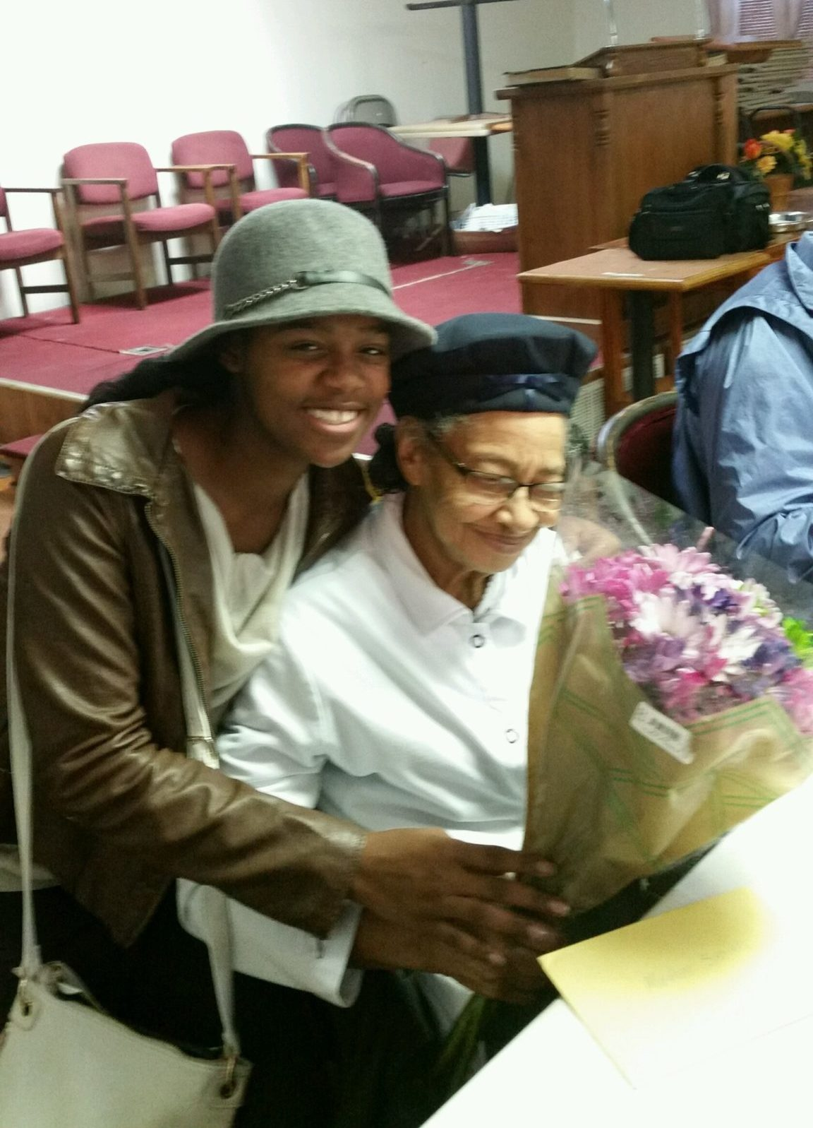Taren Daniels volunteering at Senior Center
