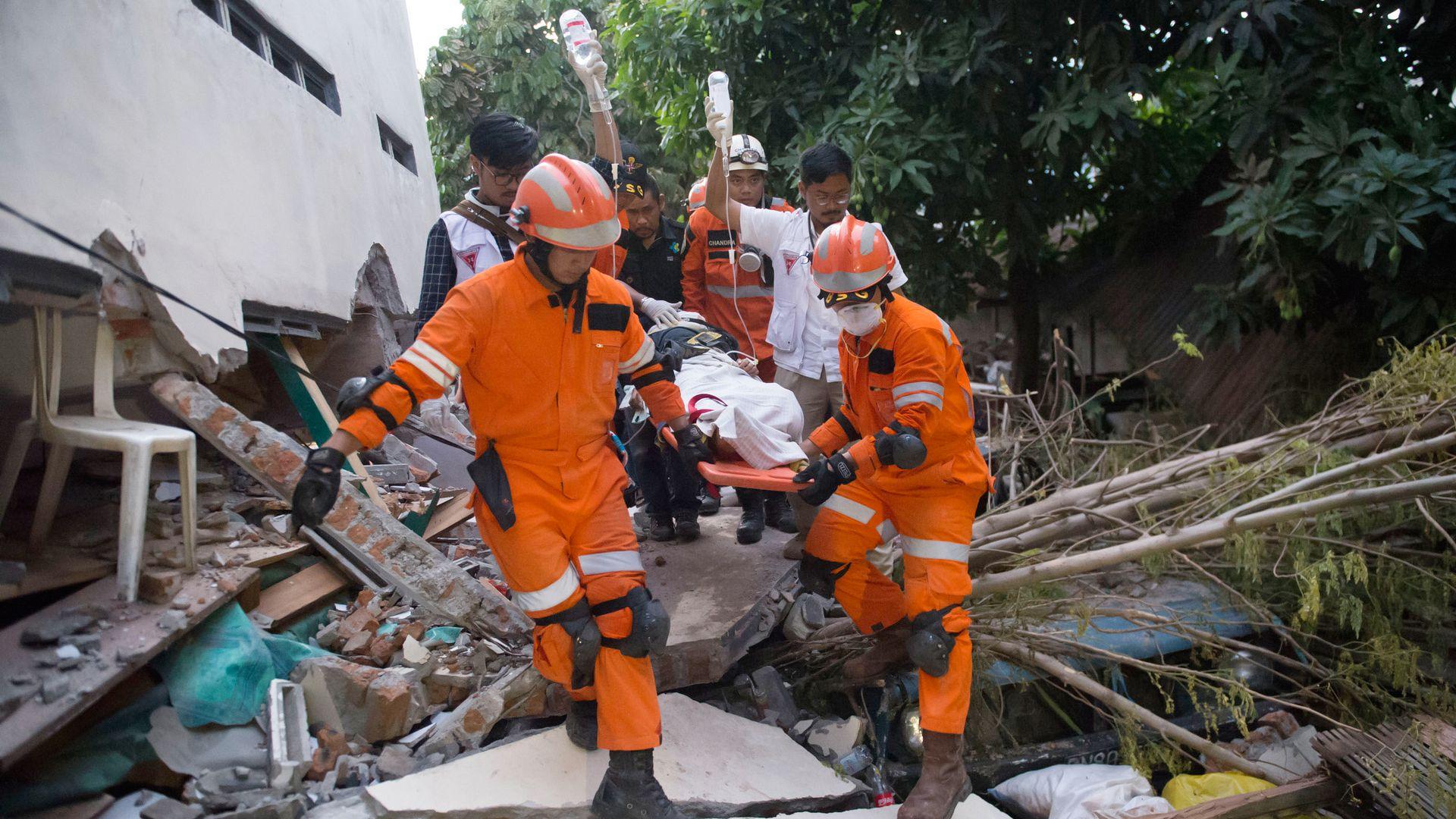 Indonesia Earthquake Rescue