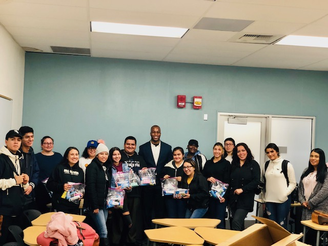 MLK Day of Service in class D'Andre Lampkin Foundation